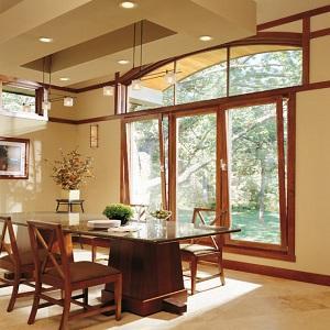 La ventana oscilobatiente es una ventana de doble funcionamiento. Oscilación como una puerta o inclinación de la parte superior de la hoja hacia el interior para ventilación.