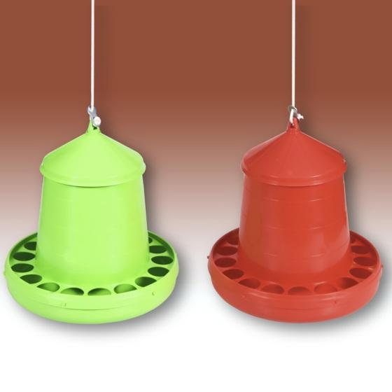 Plastic hanging feeder for chickens and pigeons. It has a lid and anti waste holes. A rope and a brake are also provided. Avilable in 2, 4,8, 12 and 16 kg.