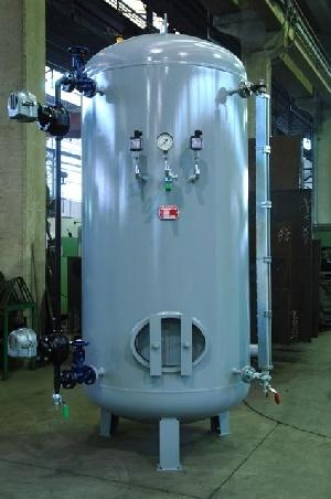 Steam generator expansion vessel