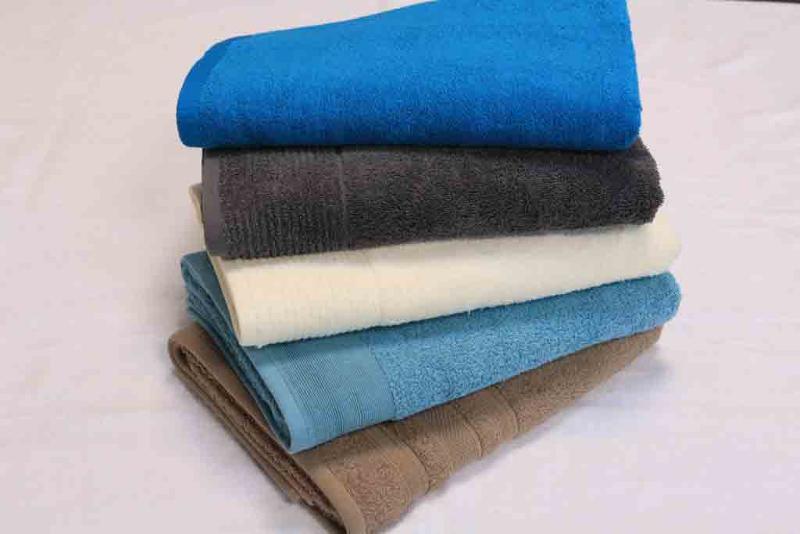 BATH TOWEL -  70*130 - 70*140 / 400 - 500 GSM / More colours
