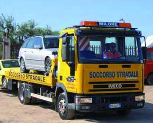 Soccorso stradale su autostrada servizio officina specializzata servizio navetta aereporto.