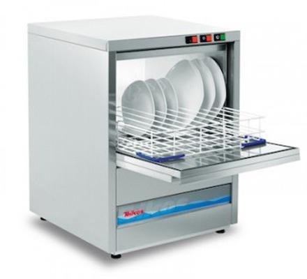 Il modello di lavabicchieri - Lavastoviglie TS601 - TS603 per bar - birrerie - ristoranti - pizzerie è dotato di cesto 50x50 cm, doppia scocca, porta bilanciata.