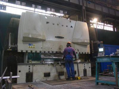We execute bending services. We have two bending brakes with pressure of 400 and 800 tons. Maximum length of bending element is 7000 mm, maximum thickness of bending plate is 25 mm.