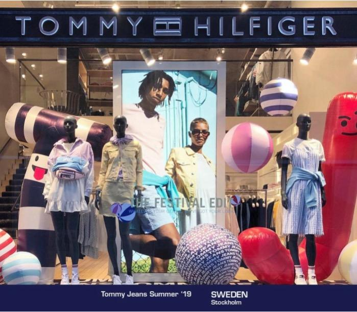 Shopwindow POS inflatables Tommy Hilfiger Worldwide