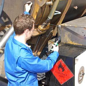 Metal thickness gauging in explosive areas