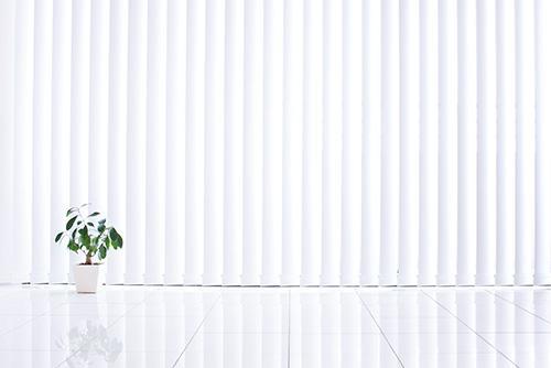Schweiger & Partner, das Reinigungsunternehmen Wien, hat vom deutschen Hersteller Skoruppa das wirtschaftliche, zeitsparende und schonende System zur Lamellenreinigung 1994 nach Österreich gebracht