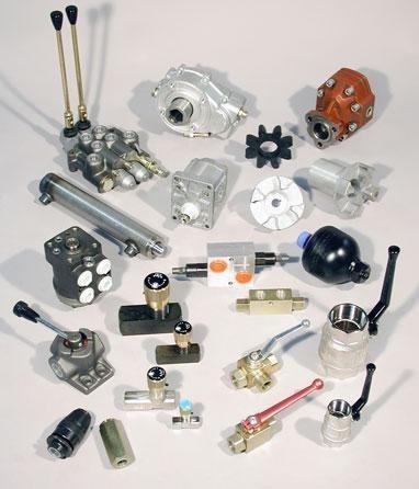 Abbiamo una vasta gamma di prodotti come pompe, valvole, servosterzi, idroguide e terzi punti idraulici per trattore.