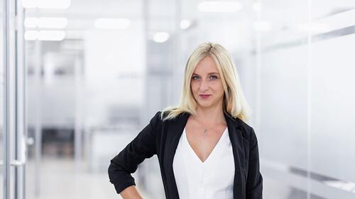 Nicole Barbara / Chief Sales Consultant