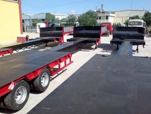 Extendable Lowbed Trailer with its variety from 2 axle to 8 axle, self-steering or hydraulic axle, extendable lowbed body structure made by Donat Trailers engineering.