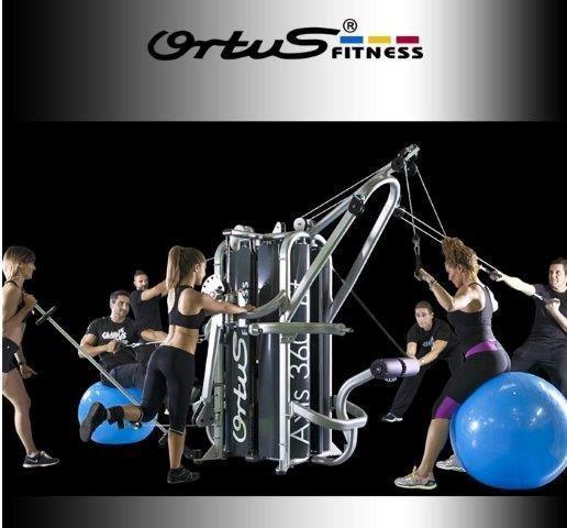 Diseñada para realizar un excelente entrenamiento funcional, completo, estable y seguro. Agrupa en un mismo espacio físico entrenamiento de fuerza, entrenamie