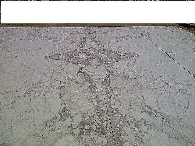 macchia aperta calacatta vagli formato 150 cm x 150 cm