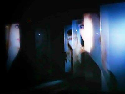Holographic fashion show with Adwindow HOLO G rear projection film
