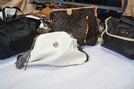 La Emmepi sas è attiva nel settore dell'abbigliamento e calzature usate, raccogliendo gli articoli da aziende italiane ed esportandoli in tutto il mondo.