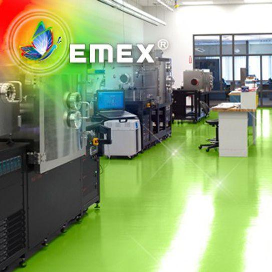 Vopselele epoxidice au o sensibilitate foarte mare la temperatură în special datorită necesităţii polimerizării, care nu poate avea loc decât la temperaturi de peste 10°C.