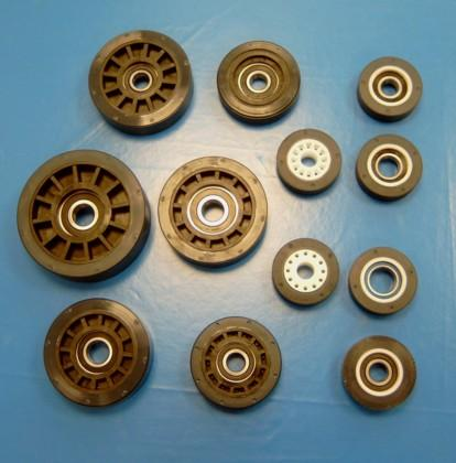 Our roller assortment consists of one-component rollers and multi component rollers, which we manufacture with different versions of slide bearings and ball bearing.