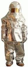 Комплект теплозащитной одежды пожарного ТОК-800 обеспечивает защиту пожарного от повышенных температур, теплового потока, открытого пламени и других опасных и вредных факторов окружающей среды, возник