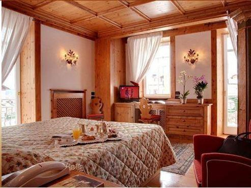 L'Hotel Cortina dispone di 46 camere insonorizzate,con balcone