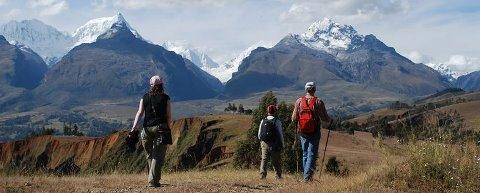 Cordillera Blanca Trek amazing  beautiful trek with high passes over 4,700m. this mountain range offers several routes in the Huascaran National Park área. is organized by Peruvian Mountains company