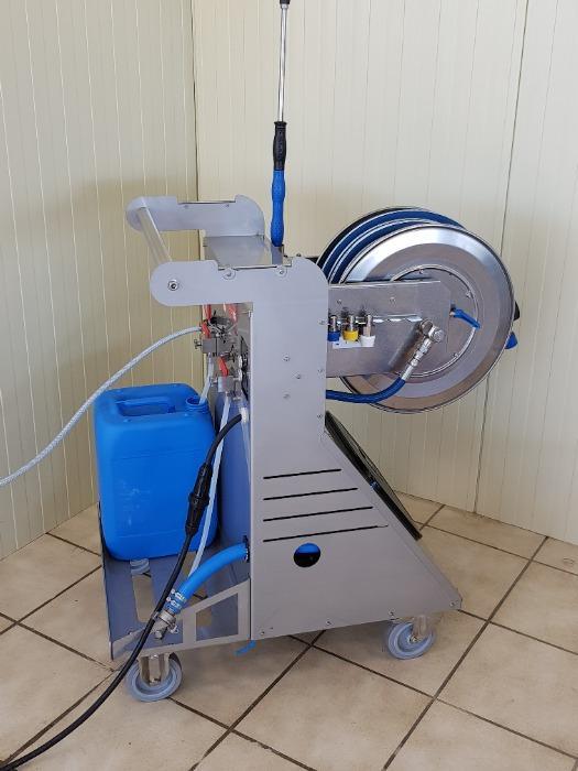Mobile de nettoyage et désinfection
