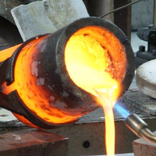 Tiegel Metallschmelze Metallgießen