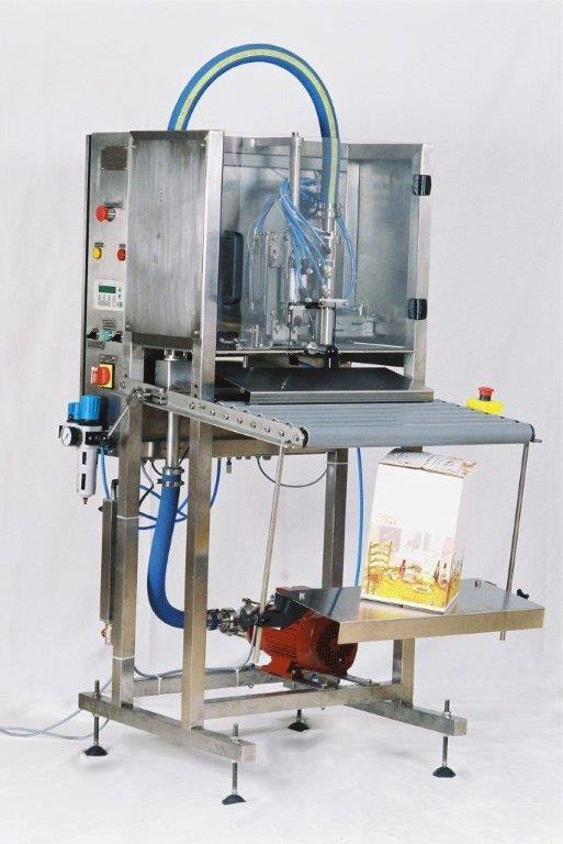 Semi-automatic filler for wine, hot-fill juice, vegetable oïl, cola syrup, cream, milk.