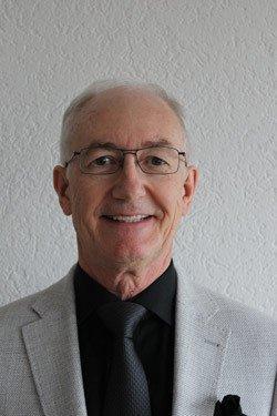 Senior Geschäftsinhaber Auto Müller