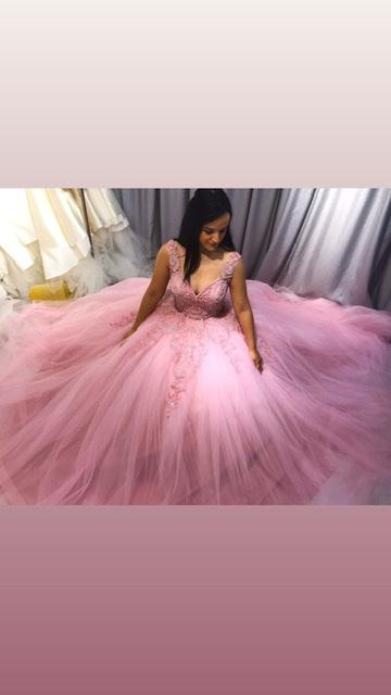 Wedding dresses and evening dress keswa
