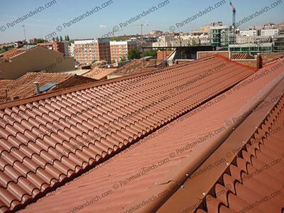 Panel imitacion teja rojo RAL 8004