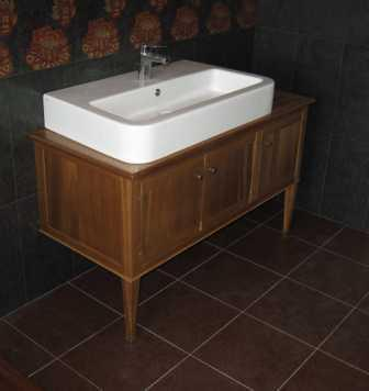 mobiletto sottolavabo bagno,massello di noce