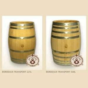 Pipas e barris em madeira