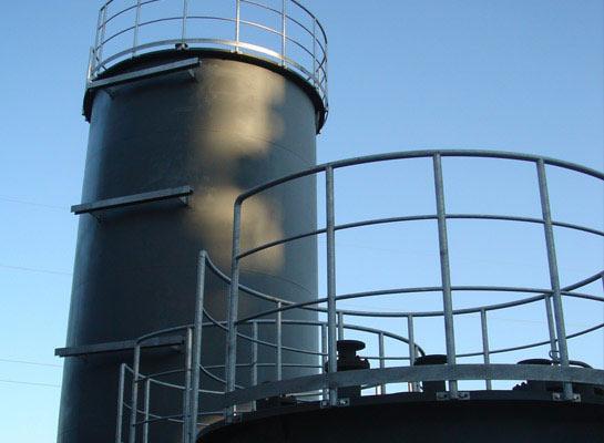 Behälter aus Stahl und Edelstahl