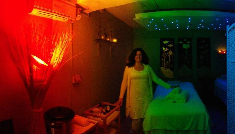 massaggi, sportivi, rilassanti, con l'argilla, con pietre laviche, peeling corpo, massaggi per bambini, massaggi schiena, gambe o decontratturanti, rilassanti all'olio caldo www.paolaartico.com