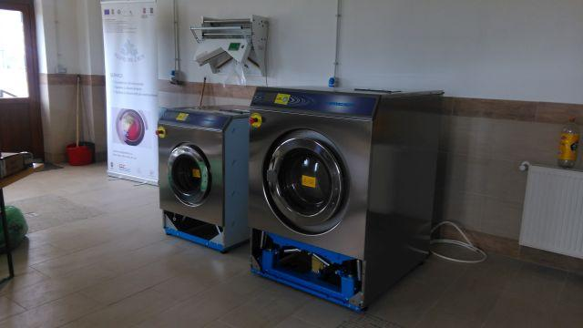 Wet cleaning unit