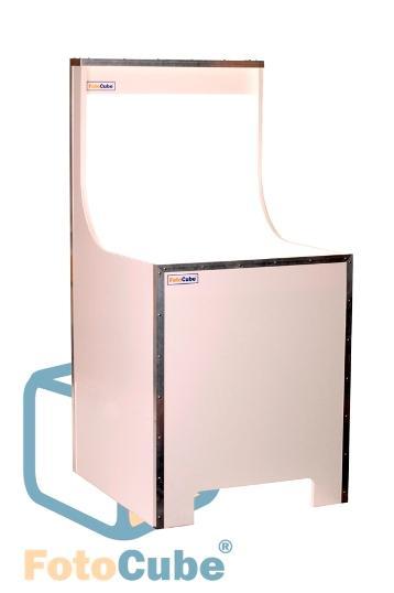 Met de FotoCube fototafel maakt u vrijstaande productfoto's zonder te hoeven na te bewerken. De FotoCube fototafel komt uit eigen werkplaats en kan voor u op maat gemaakt worden.