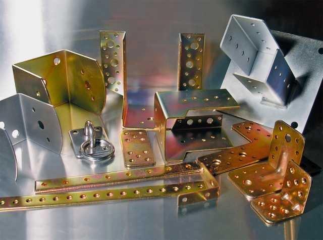 da noi potrete trovare la ferramenta per qualsiasi tipo di realizzazione visitate: www.mobiligiardinoonline.it