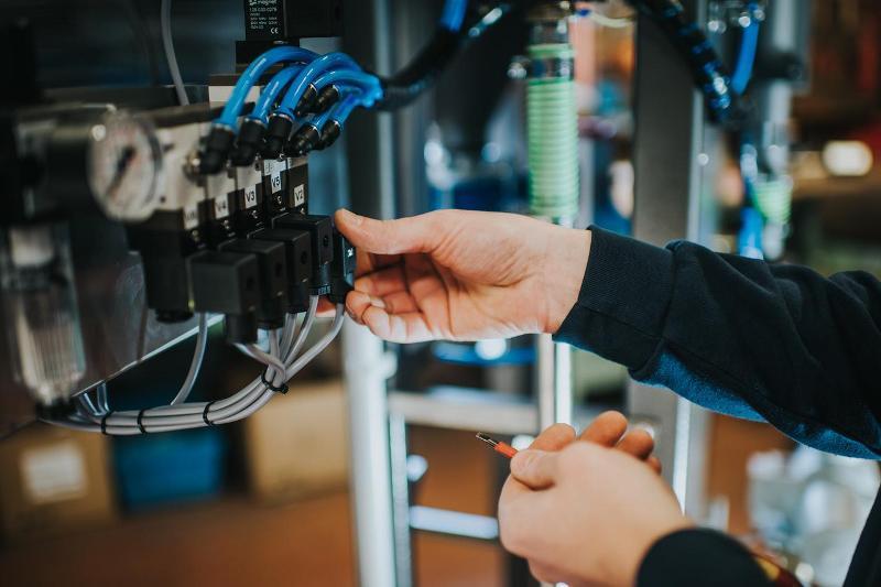 Elektrisch gesteuerte Abfüllmaschinen