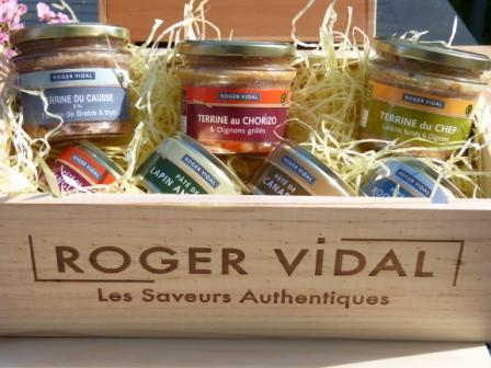 For more than 40 years, ROGER VIDAL produces its pâtés and terrines by means of an expertise and a traditional manufacture that have been passed from father to son.