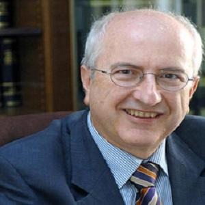 Ιδρυτής και Διαχειριστής Εταίρος  από το έτος 2005. Δικηγόρος παρ΄ Αρείω Πάγω και Διαιτητής στο Σώμα Μεσολαβητών-Διαιτητών του Οργανισμού Μεσολάβησης και Διαιτησίας.