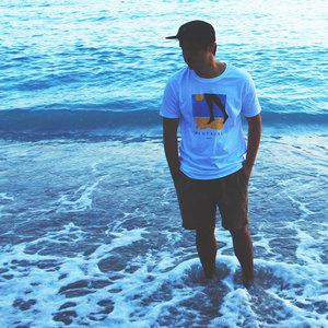 Idioma Beach - T-Shirt and 5 Panel