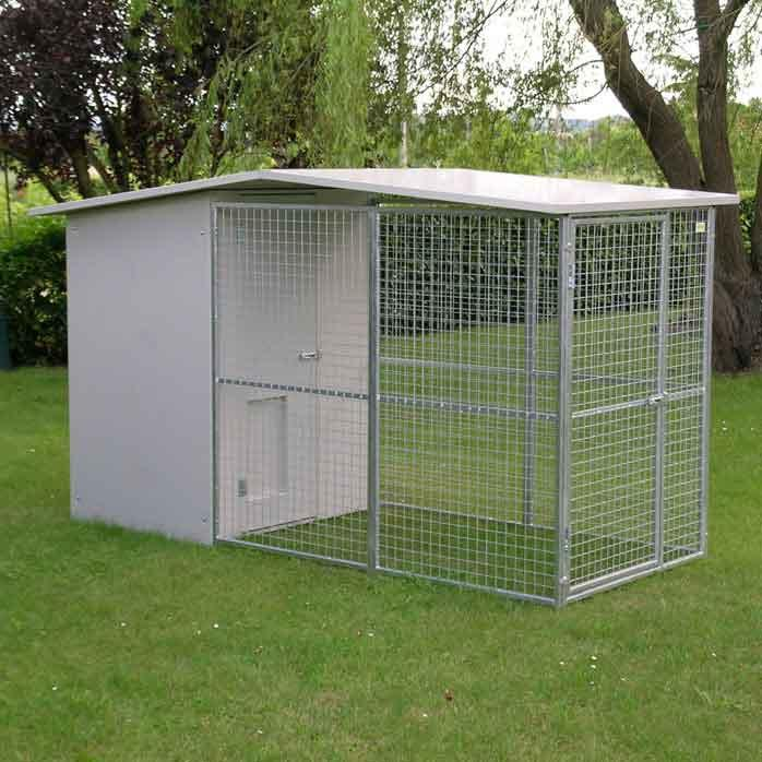 The kennel for dogs model Modular is made up of:  - Sleeping area with insulated panels, 3.5 cm thick, easily washable and disinfected; complete with gates, sliding hatch and wooden bench raised ...