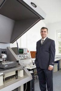 Firmengründer Dr. Sabri Akari