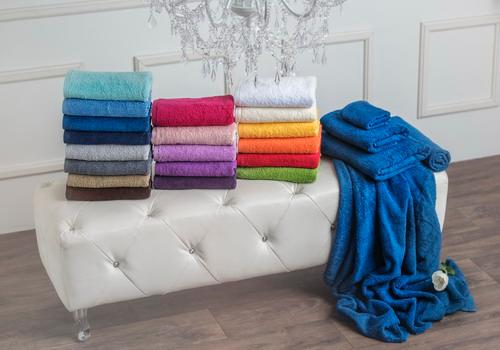 Different qualities of ring spun towels in diferrent colours