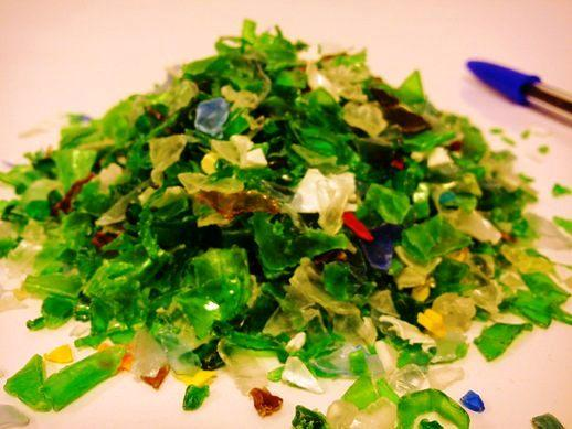 Hot washed PET flakes coming from coloured bottles - mainly green-. Available for sale in monthly basis. Feel free to ask about this product!