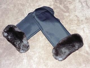 Waterproof mitten with rex-rabbit lining