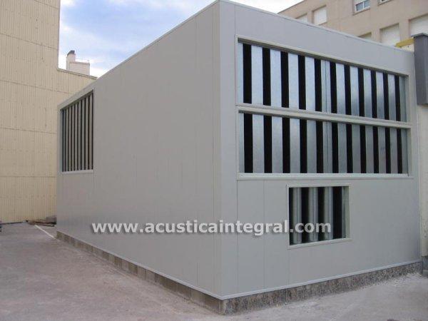 Realizadas con panel autoportante Acustimódul-80 las cabinas acústicas son la solución para problemas de ruido d todo tipo de maquinaria.