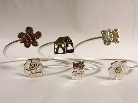Gioielli in argento e bronzo con i disegni dei bimbi - ciondoli con soggetti  e temi diversi o personalizzati