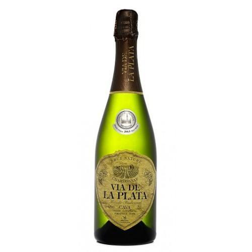 Variedades: Chardonnay 100%     Grado alcohólico: 11.70% vol     Azúcares:  <5 gr/L.     Crianza, según lote entre 9  y 25 meses