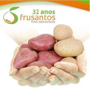 O processo de cultivar, semear batatas, inicia-se no ato da escolha da semente, de modo a decidir qual a variedade se adapta a cada necessidade, existe dois grupos de batata a branca e vermelha (roxa)