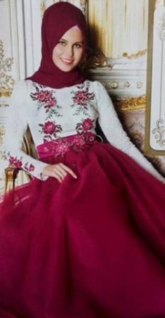 Wedding dresses.  Robe de fiançailles pour les femme voilée.