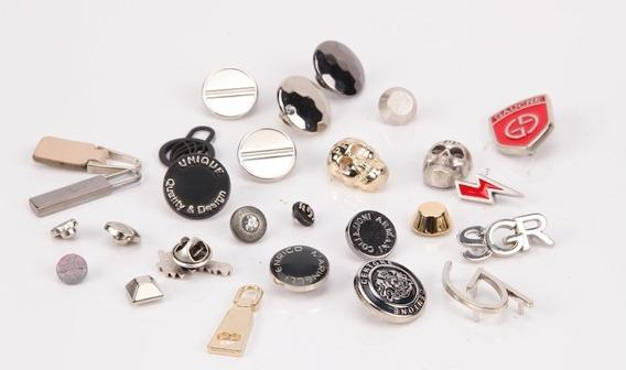 snaps. buttons, labels, tags